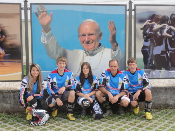 Saison 2012 Team Massilia Bike System Super EnduroPogno : 1358404260.181825_427582320607247_987775315_n.jpg